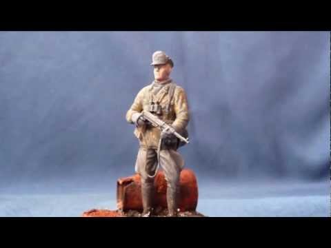 """Scorched earth"" Dragon ""Waffen-SS Officer, Budapest 1944/45"" in 1/35 scale"