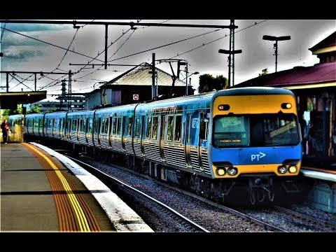 Trains at Yarraville