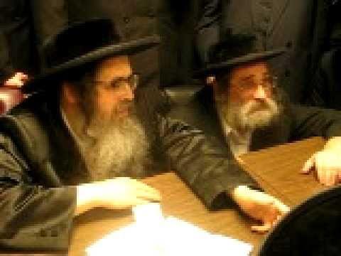 Satmar Rebbe Shlita with Mashbak of Bal Beirech Moshe Zt