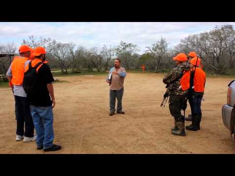 Free Texas Hog Hunting- Sending the Hunter Out to Blinds and Walk and Stalk