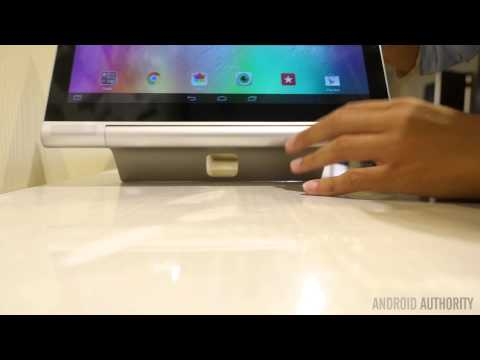Yoga Tablet 2 Pro hands-on: 13-inch screen, a subwoofer, and a pico-projector!