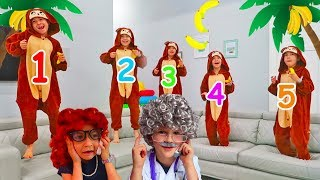 Five Little Monkeys Jumping on the Bed Nursery Rhyme Song Music Video for Children by Hailey!