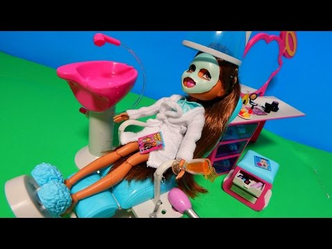 Exclusive Bratz Sleepover Spa & Hair Studio w/ Yasmin Toy Doll Unboxing Review