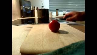 Böker Saga tomato test