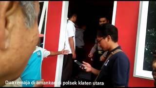Video Mesum di kamar mandi dua remaja di grebek warga