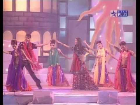 Priyanka Chopra Concert LAL DUPATTA (Jery srk 11)