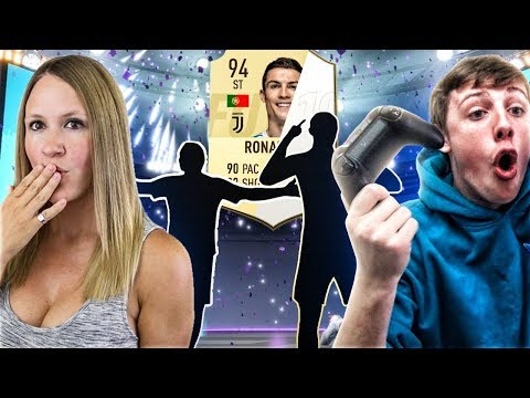 RONALDO AND ICON IN A PACK!!! (These are UNREAL) FIFA 19