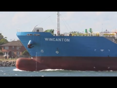 Wincanton (Singapore) Ship enters Newcastle Port, Australia - Shipspotting
