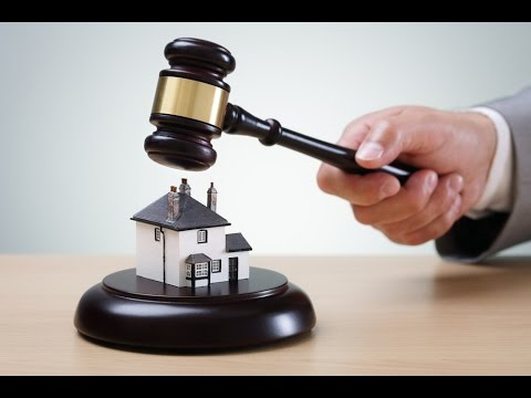 Auctions selling houses before evicting the prior owners