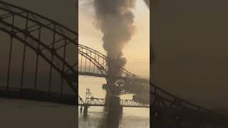 Barge fire - Industrial area Surrey - Fraser river - pattulo bridge