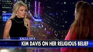 Megyn Kelly to Kim Davis: Your Critics Ask, 'Who Are You to Judge Others?'