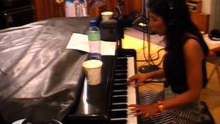 Marina and the Diamonds - Obsessions (KCRW Acoustic Session 08/07/2010) 6