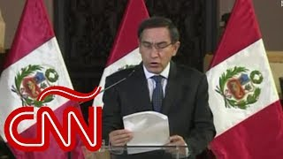 Vizcarra disuelve Congreso de Perú y aprueban moción de incapacidad temporal del presidente