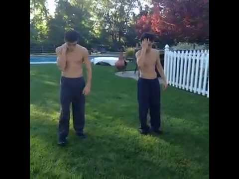 Twin Grind On Me ! - VINE