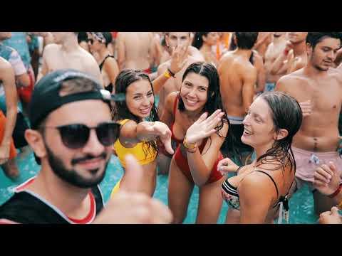 Team Be Your Party: La Famiglia Che Ti Scegli