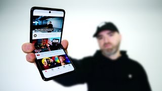 Samsung Galaxy Z Flip Hands On - Better Than Razr?