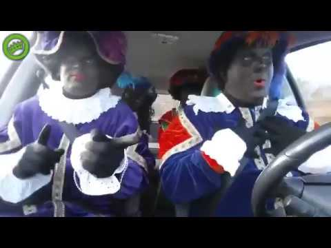 Zwarte Pieten party in auto! (Zwarte Pieten Zingen Bohemian Rapsody)