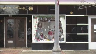 Fairport Harbor Christmas decorations spark business opportunities