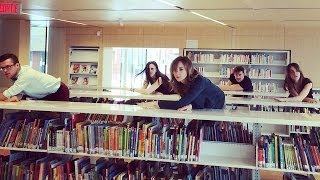 Cas Public à la bibliothèque