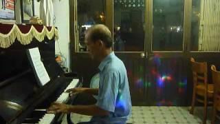 Ngậm ngùi - Đệm hát piano - Boston