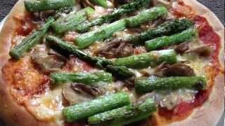 Green Asparagus and Mushroom Pizza