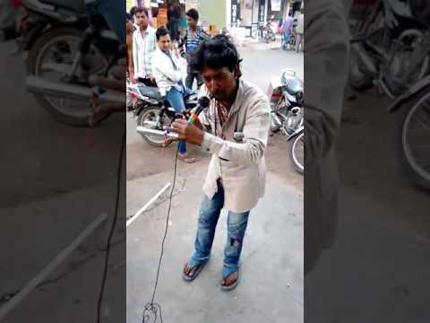 ऐसी धुन बजाई की हर कोई देखता रह गया॥Aarti tune by flute||||||Sweet tone by desi kalakar ..must watch