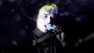 Waterparks - Snow Globe (Official Music Video)