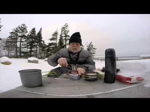 Winter Hiking & Hot Lunch with my $9.00 gas stove