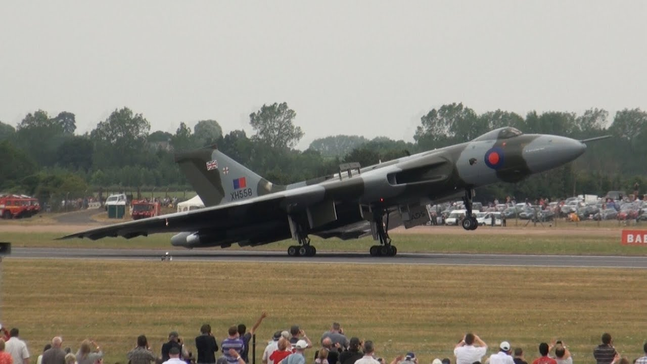 Airplane Full Hd Wallpaper Avro Vulcan Xh558 Howling At Riat Youtube