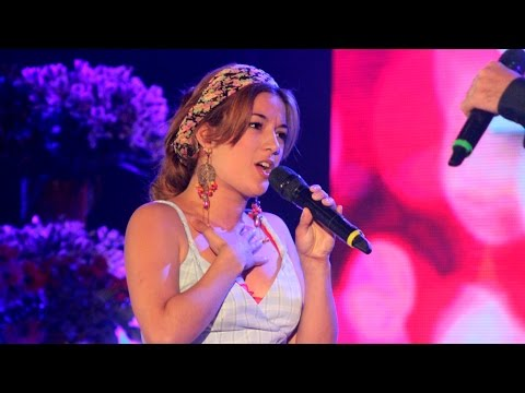 """Joss Stone cantó """"Miracle worker"""""""