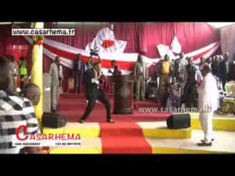 CHOC Bishop Kankienza fait la repentance à Luanda