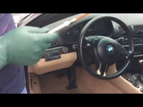 Opening A Bmw E46 Convertible Top With Broken Latch Motor Youtube
