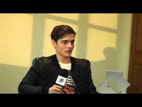Martin Garrix - Animals Official Number 1 Award interview
