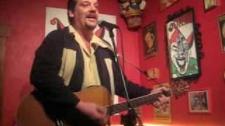 Urbanus Tribute 04: Johnny Trash zingt: Als Moeder Zong...