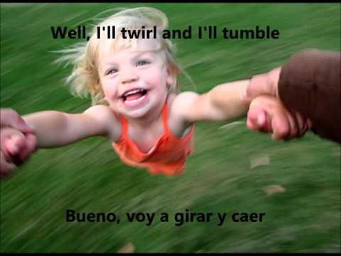 Tumble and twirl David Bowie IES Sentmenat lyrics y doblada al español