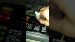 Ваз Не горит правый поворотники при нажатии педали тормоза впз21099