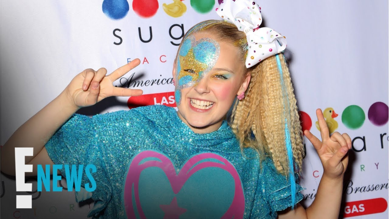 JoJo Siwa Comes Out By Wearing