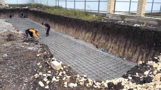 Армирование плиты бассейна под установку полипропиленового бассейна(, 2016-03-09T07:38:49.000Z)