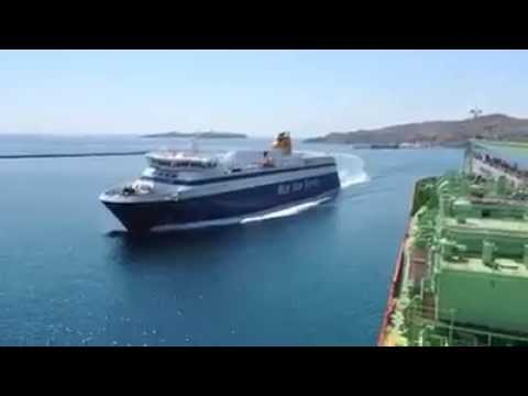 Blue Star Ferry docking like a boss!