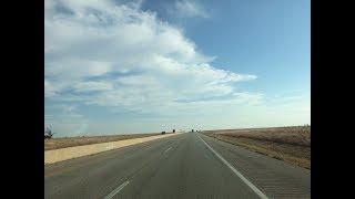 KANSAS (カンザス州)の風景 テキサスから車で1日半かけてアイオワ州へ行った時に通ったカンザス州です。