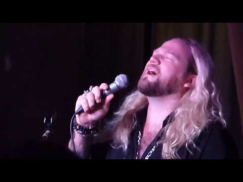NATHAN JAMES singing LOVE OF MY LIFE  HARD ROCK CAFE,  GLASGOW  ACOUSTIC