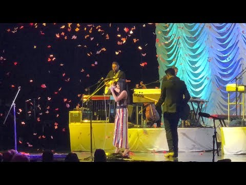 """High Horse"" by Kacey Musgraves Live @ Radio City Music Hall on The Breakers Tour"