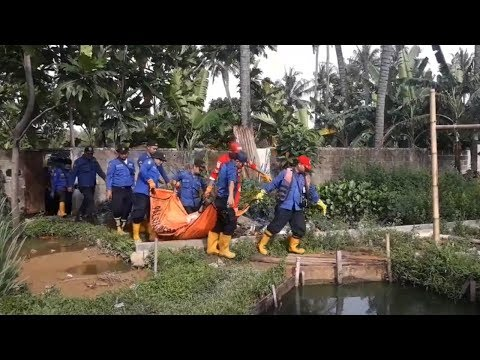 Sesosok Mayat Pria Berbadan Besar Ditemukan di Kali Cisadane Tangerang Mp3