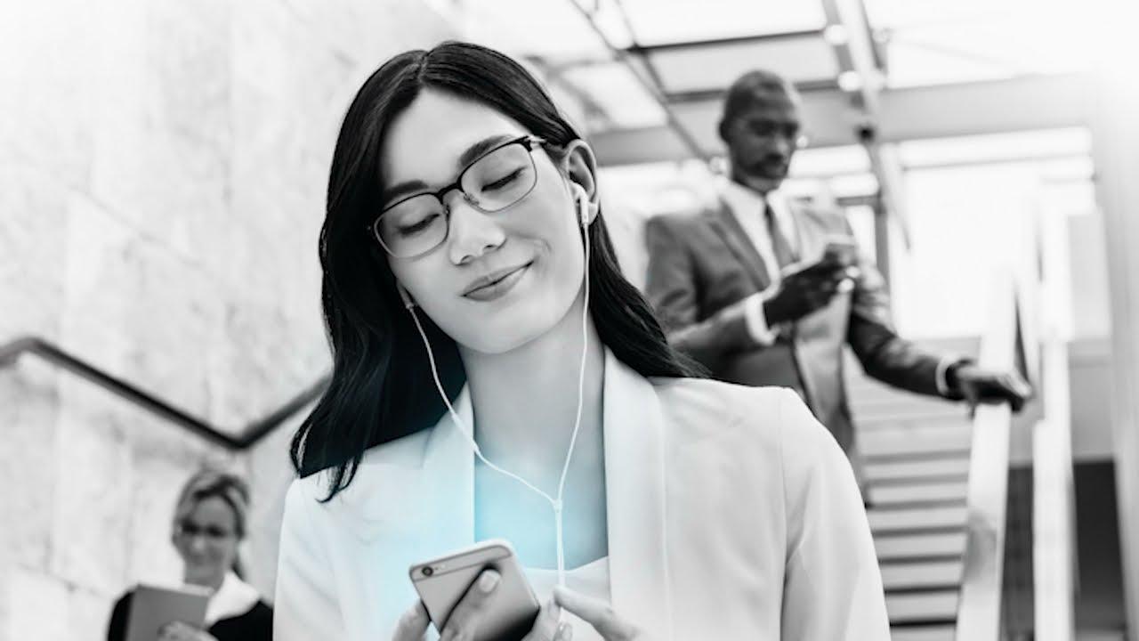 Come proteggere gli occhi dalla luce blu degli schermi? Ecco la lente Zeiss Duravision BlueProtect