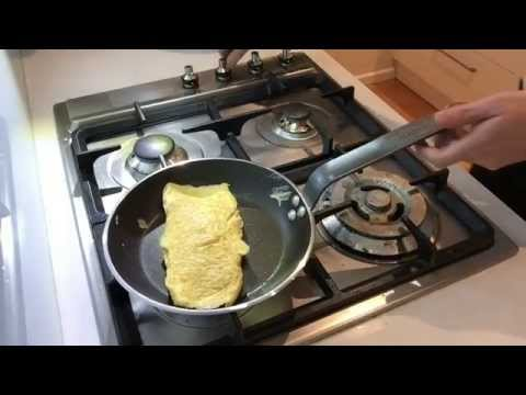 How to make an Omelette the French Way - French Culinary Basics