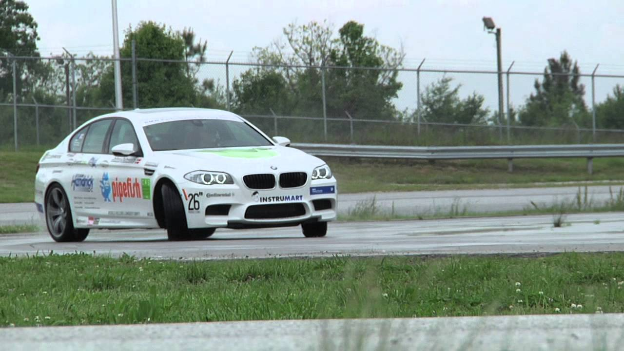 Bmw Performance Driving School >> BMW Guinness Book of World Records Longest Drift - YouTube