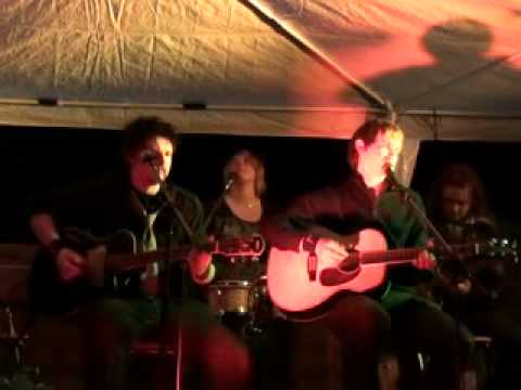 'The Chain' Fleetwood Mac Acoustic Cover by M.A.D.I.S.O.N
