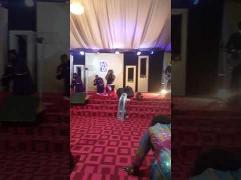 Glowreeyah Braimah-'Kneel & Bow' (Spontaneous Worship)