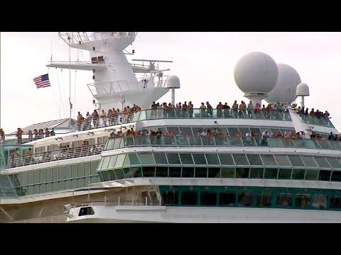 Cruise passengers help Hurricane Irma victims in Caribbean