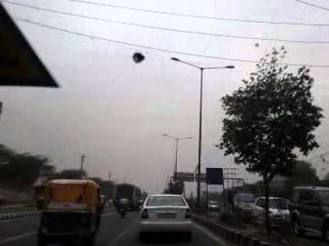 video-2011-05-20-15-43-39-Strong Wind-May 2011 -Delhi.mp4